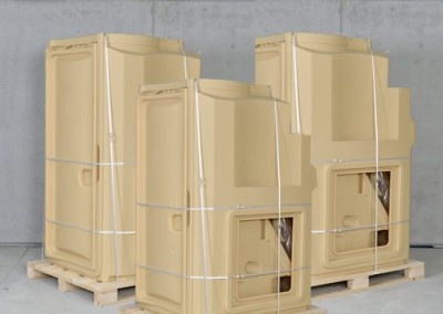 Logistic Sani Solar - a drying toilet per pallet